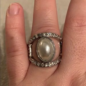 Brand new Pearl and silver stretchy stretchy ring